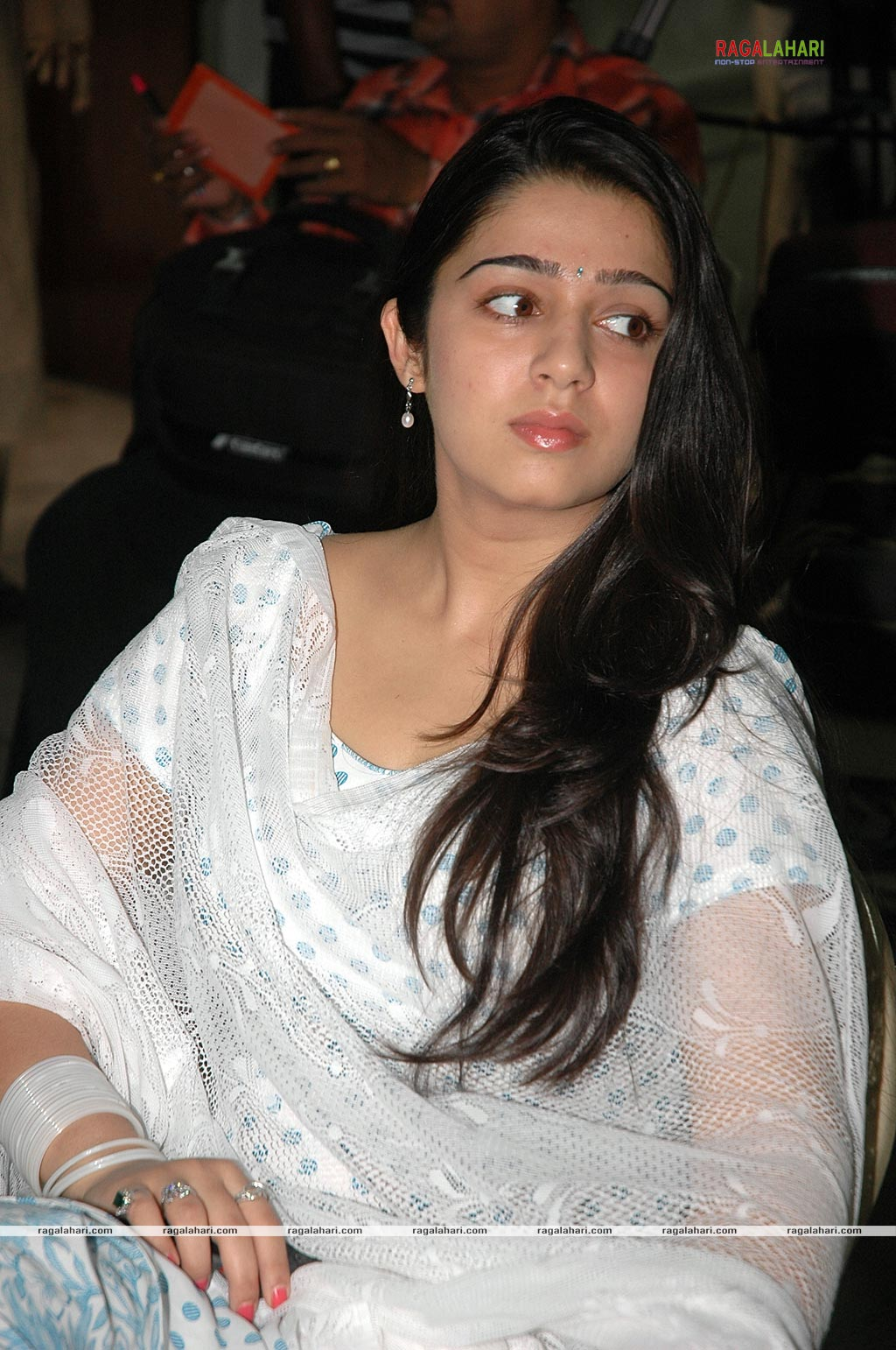 charmi hot sexy in white chudidaar photos of solo teen girls teasing